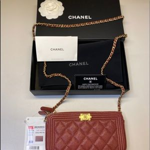💯CHANEL Caviar Quilted Clutch With Chain Red